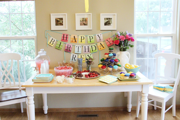 birthday painting party table